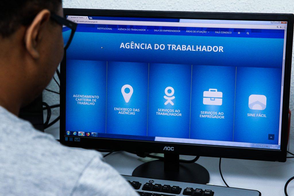 Jaboatão-inova-e-lança-sistema-online-para-solicitação-de-carteira-de-trabalho
